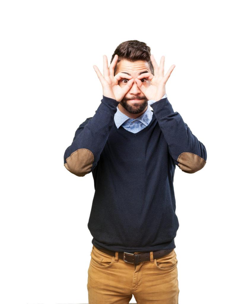 Fókuszáló férfi kép bejegyzésbe