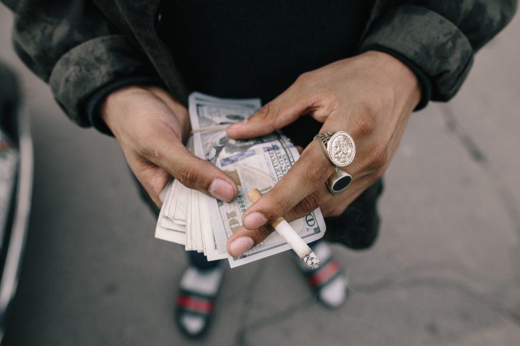 Utacai pénzváltó New Yorkban kép bejegyzésbe